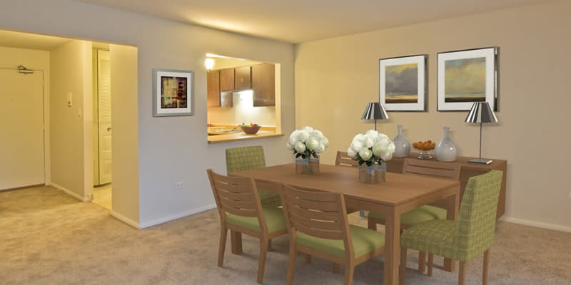 Beautiful dining room at Cedar Ridge Apartment Homes in Richton Park, Illinois