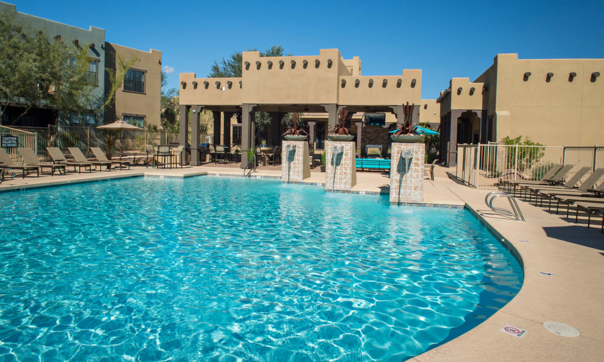 Apartments at Las Colinas at Black Canyon in Phoenix, Arizona