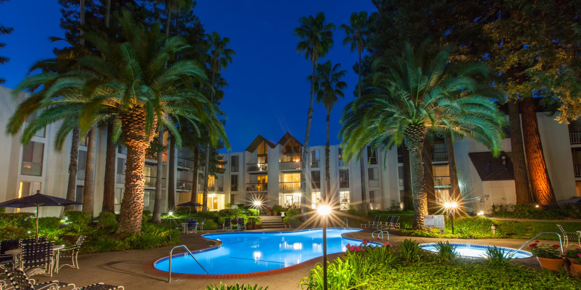 Castlewood Apartments in Walnut Creek, California
