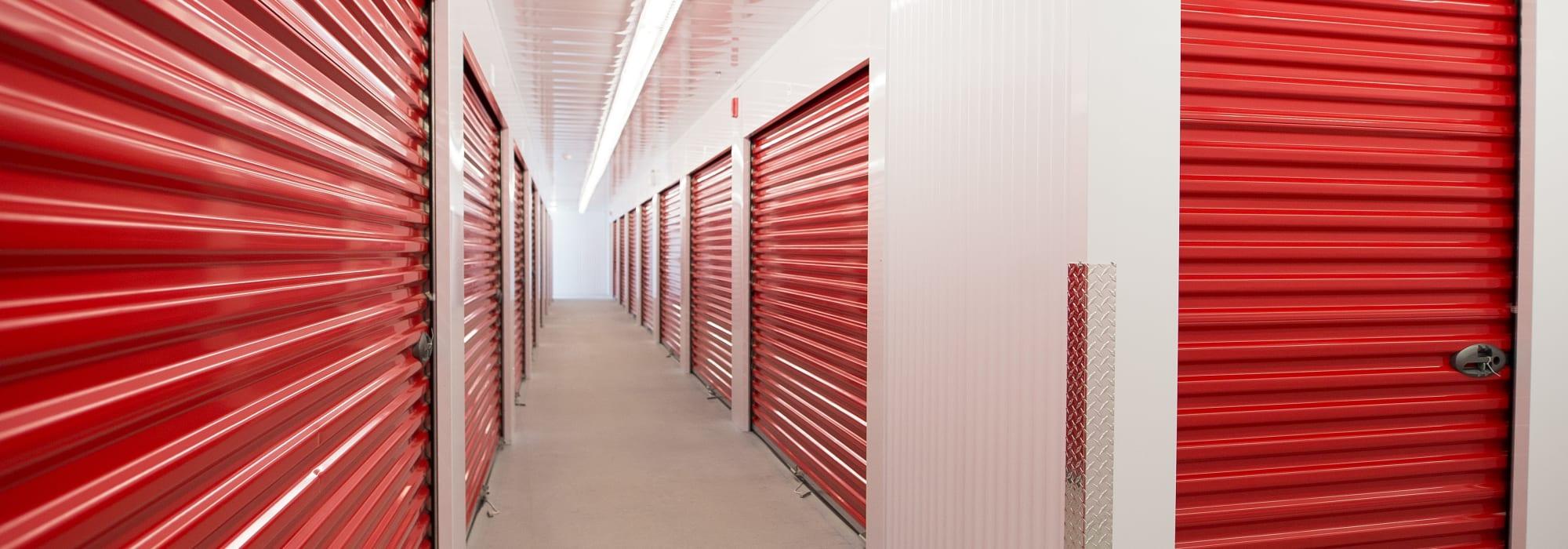 Apple Self Storage - Kitchener - Highland in Kitchener, Ontario
