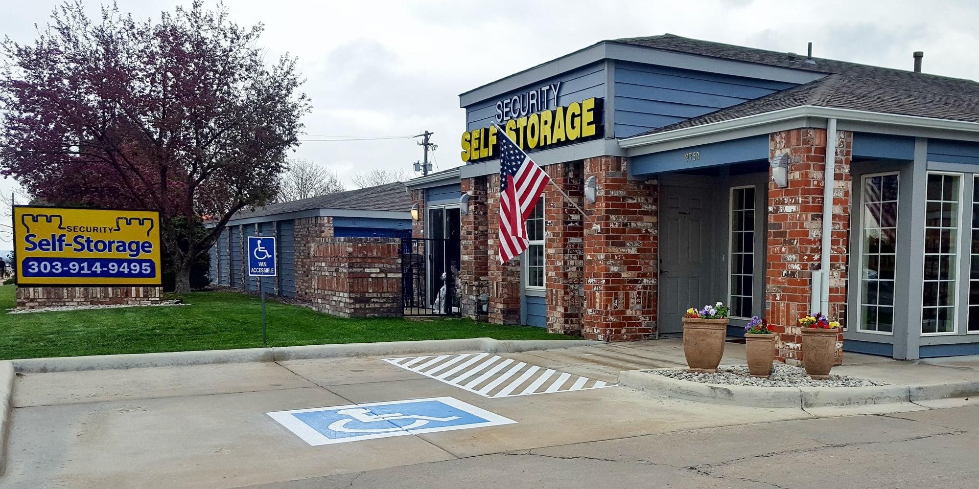 Self storage in Lakewood CO