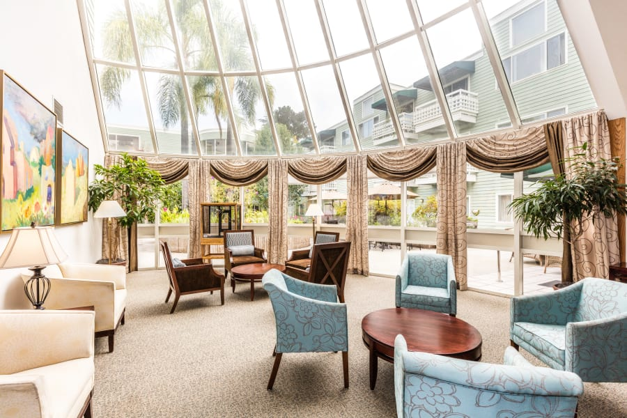 Spacious and extravagant sunroom at Palo Alto Commons in Palo Alto, California