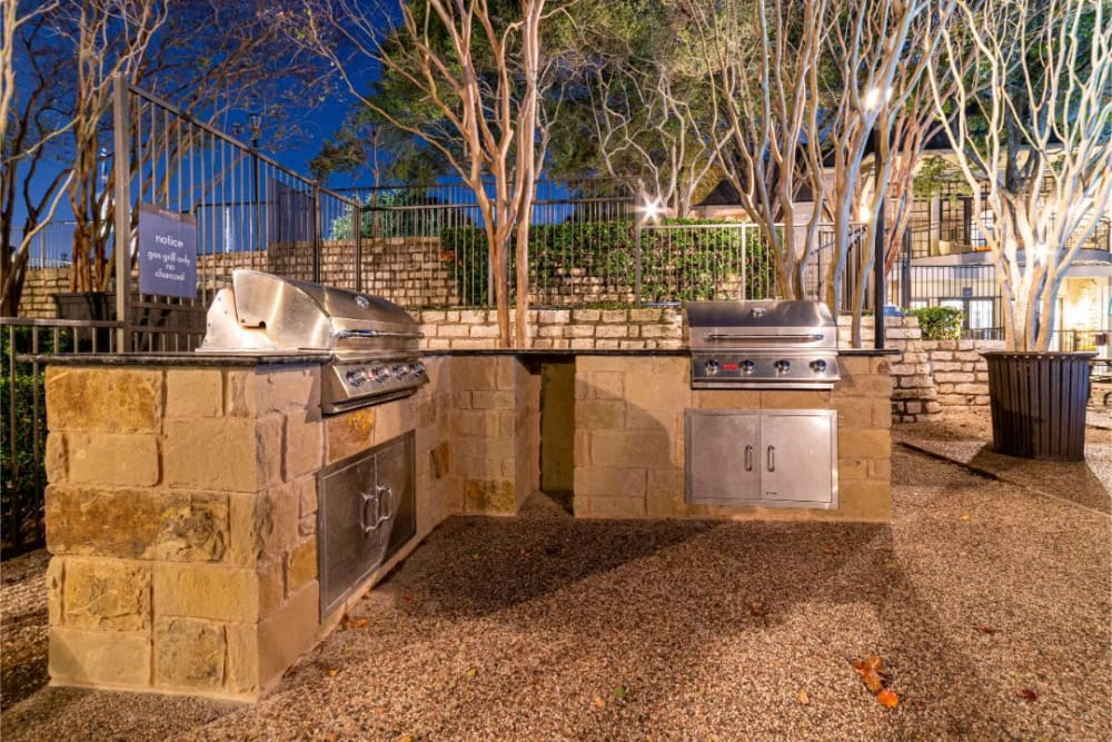 Outdoor BBQ area at Marquis at Treetops in Austin, Texas