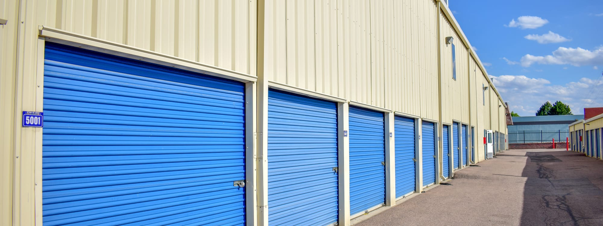 Self storage options at STOR-N-LOCK Self Storage in Aurora, Colorado