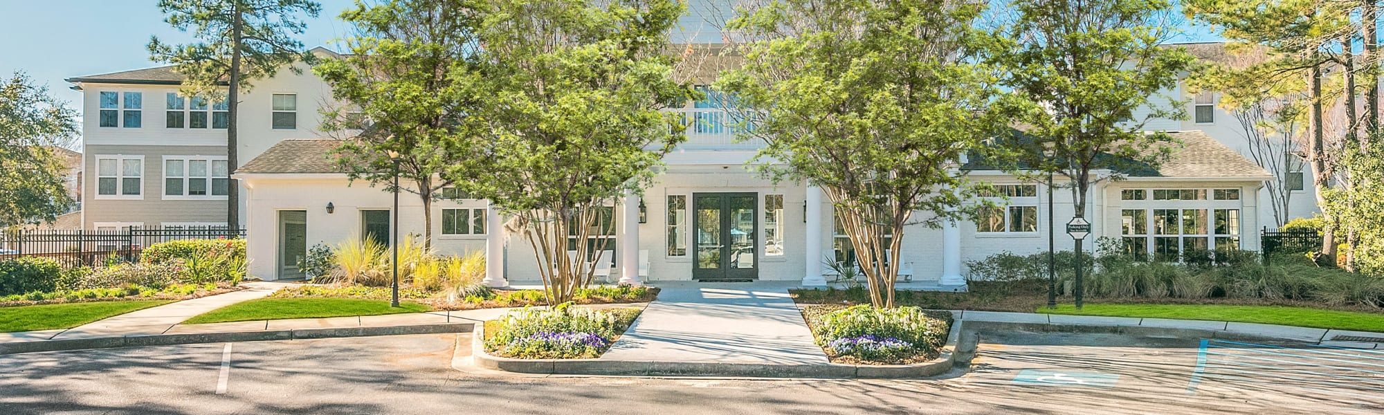 Neighborhood near Ingleside Apartments in North Charleston, South Carolina
