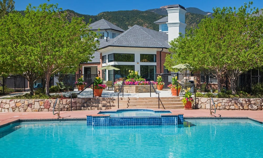 Retreat at Cheyenne Mountain Apartments in Colorado Springs, Colorado offers a swimming pool