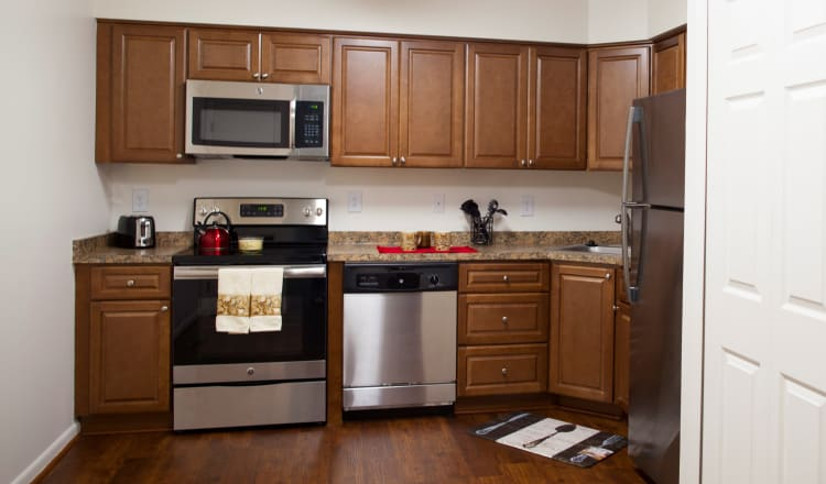 Fully equipped kitchen at Carriage Hill Apartments in Pittsford