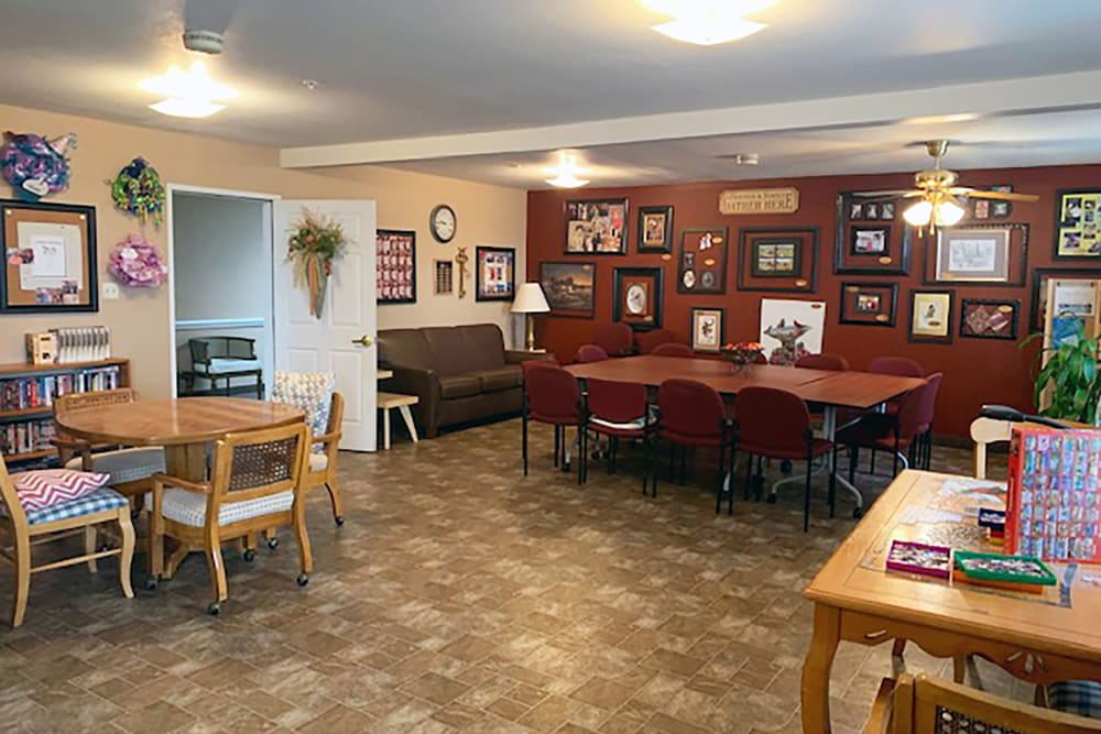act room at Peachtree Village Retirement Community