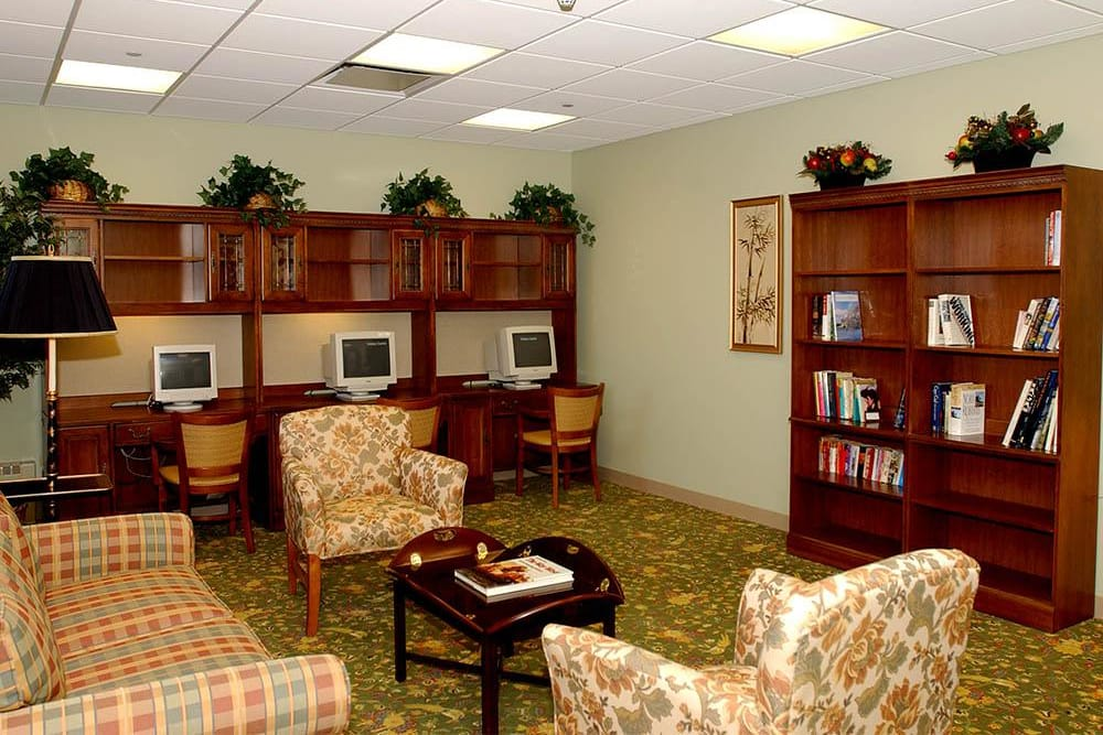 Computer Access For Seniors at Victory Centre of River Oaks in Calumet City