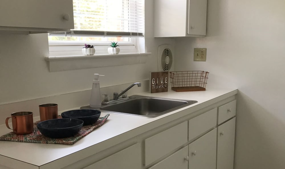 Nice clean kitchen in our Newington, CT apartments