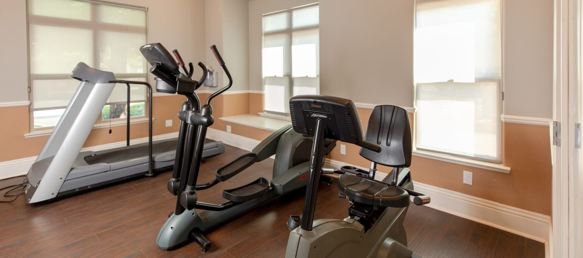 Fitness center at Wolf Ranch Condominium Rentals in Sacramento