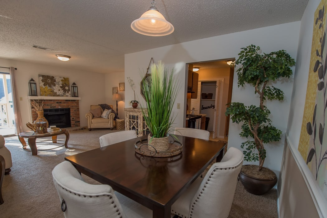 Dining room at The Mark Apartments in Ridgeland, Mississippi