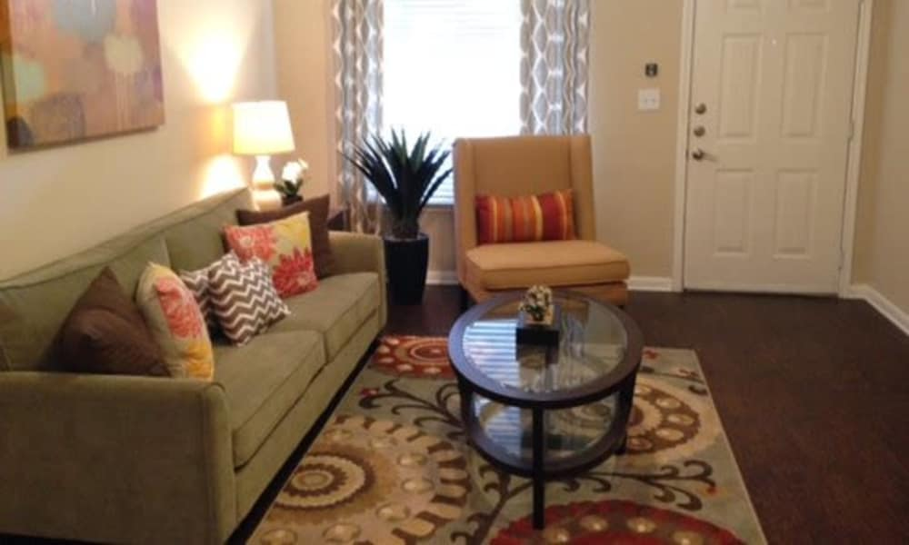 Station at Mason Creek offers a cozy living room in Katy, Texas