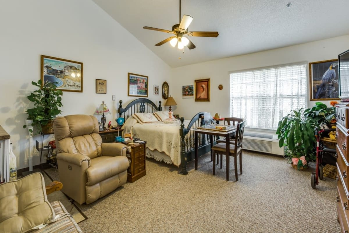 Studio apartment home at Parsons House La Porte in La Porte, Texas