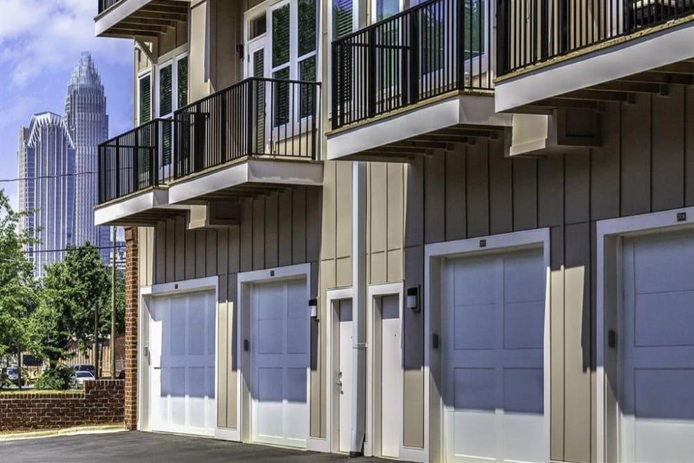 Exterior of 300 Optimist Park with garages in Charlotte, North Carolina