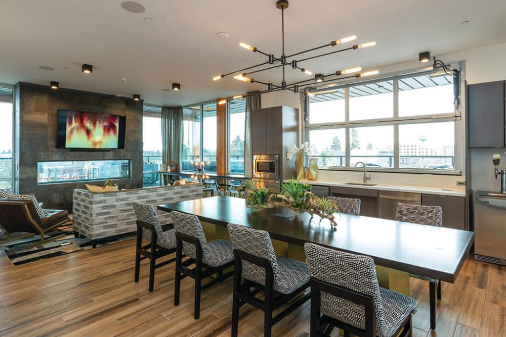 Lounge areas and gathering places in the rooftop lounge at ArLo Apartments in Portland, Oregon