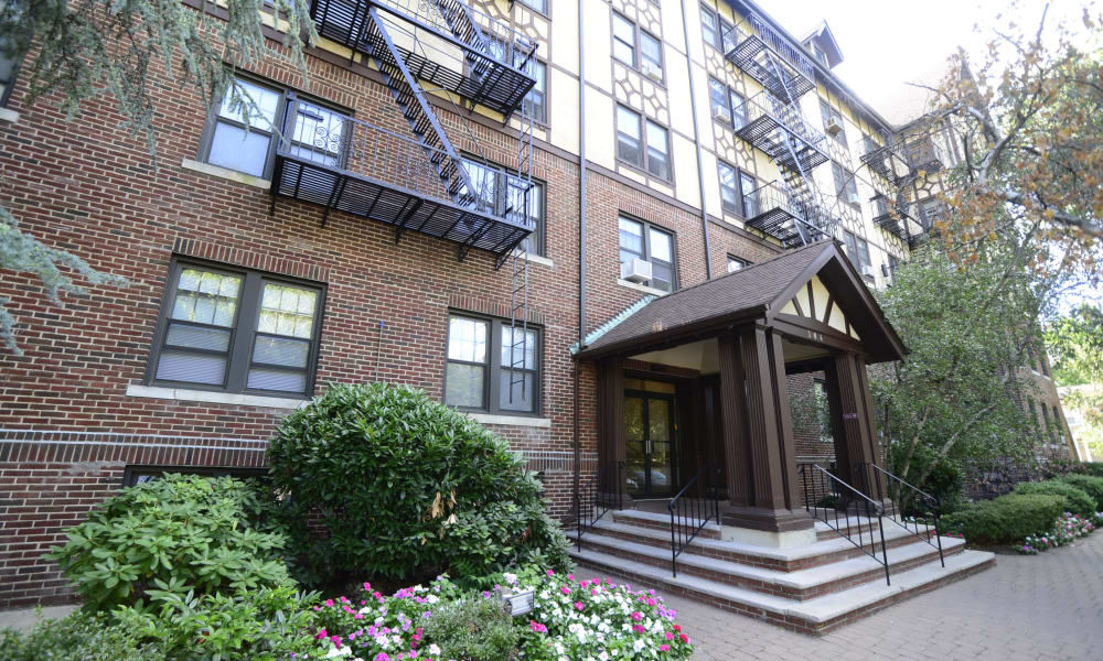 Exterior of Hillside Gardens Apartment Homes in Nutley, New Jersey