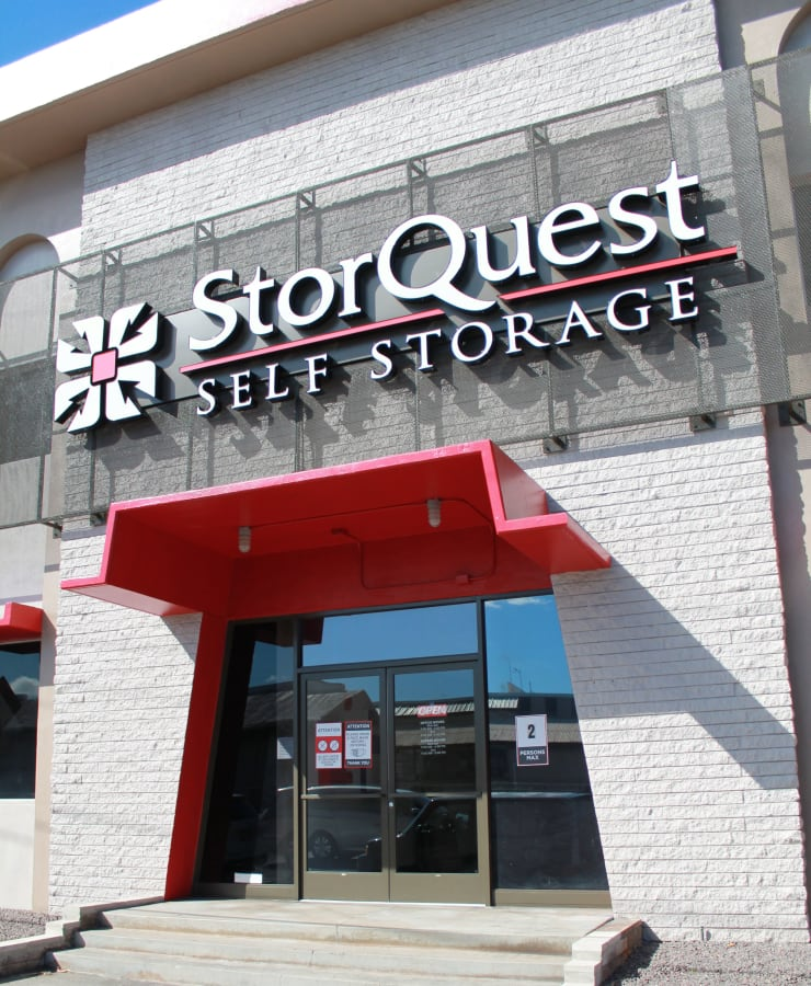 Facade and front entrance at StorQuest Self Storage in Honolulu, Hawaii