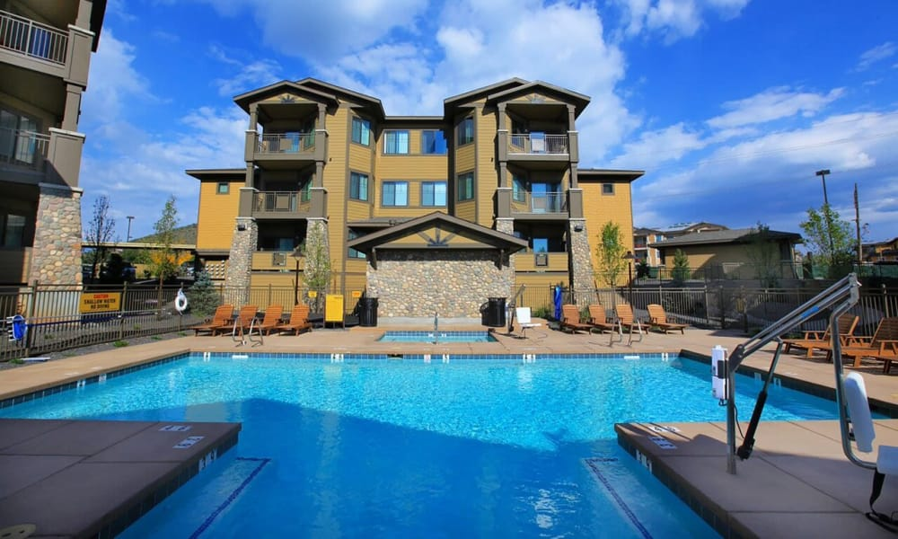 Poolside at Elevation Apartments in Flagstaff
