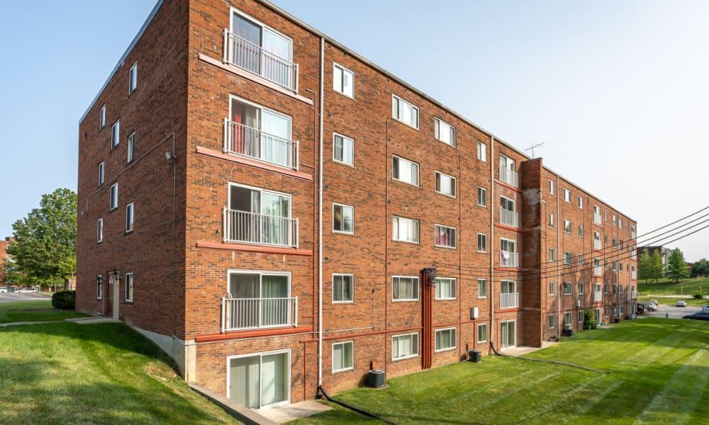 Apartment homes at Vantage Pointe West Apartments in Cincinnati, Ohio