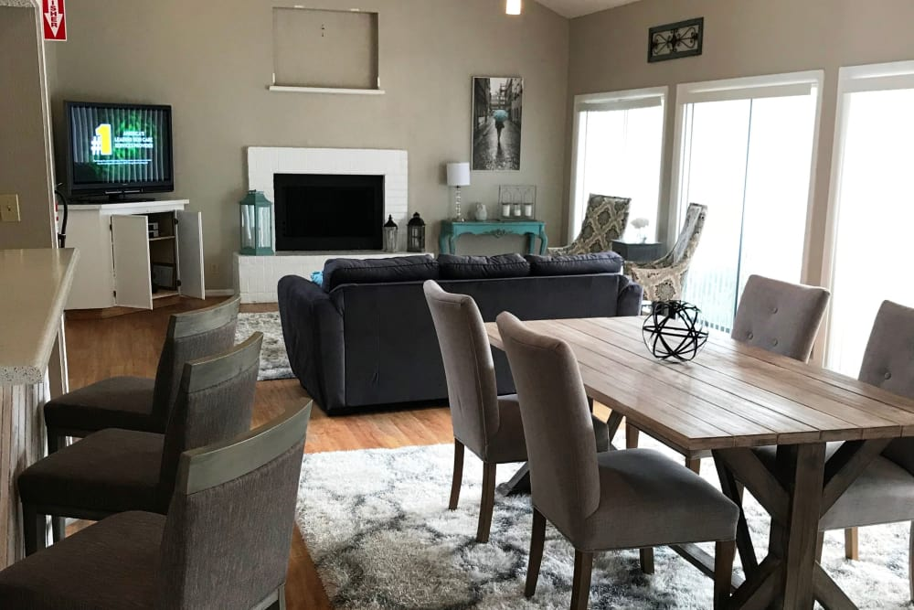 living room with fire place at Sandcastle Apartments