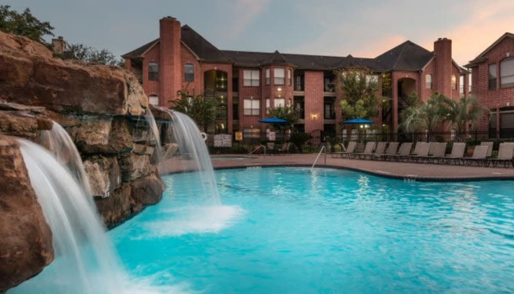 Luxury swimming pool at The Park at Research Forest in The Woodlands, TX