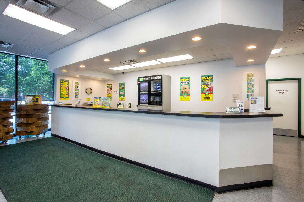 Leasing Office at Metro Self Storage in Chicago, IL