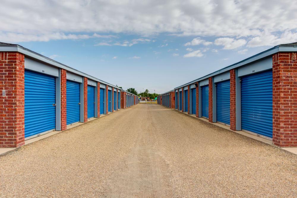 Outdoor storage units at Metro Self Storage in Lubbock, TX