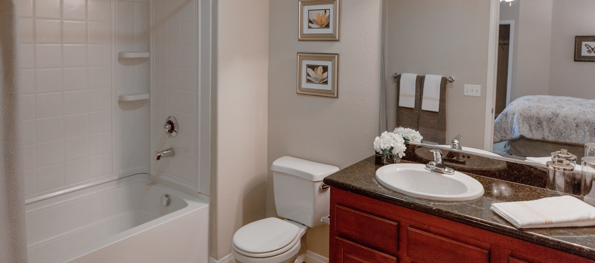 Quality bathroom at Wolf Ranch Condominium Rentals in Sacramento