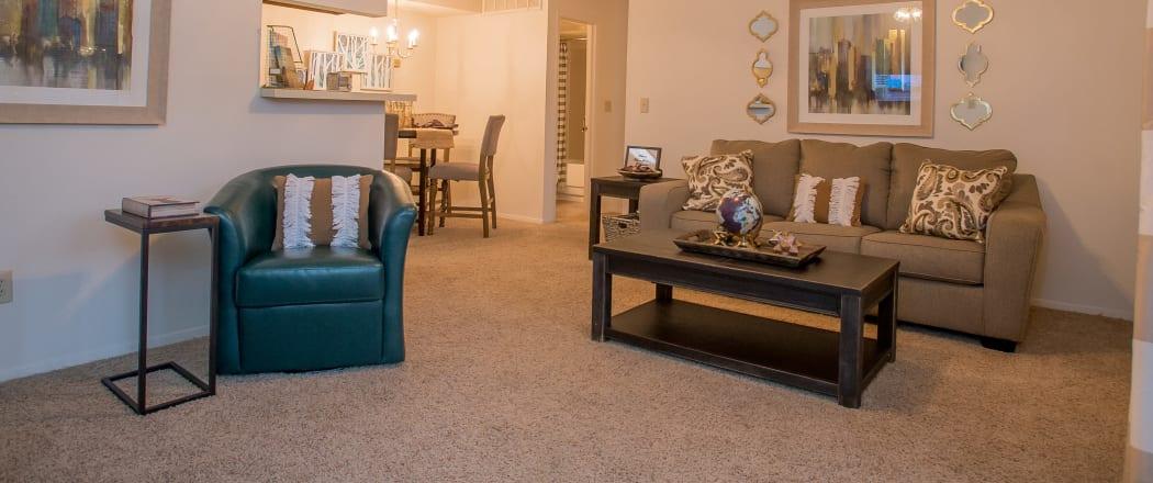 Spacious living area at Cimarron Pointe Apartments in Oklahoma City, Oklahoma