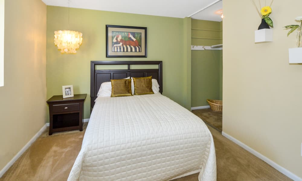 Main Street Apartment Homes offers a naturally well-lit bedroom in Lansdale, Pennsylvania