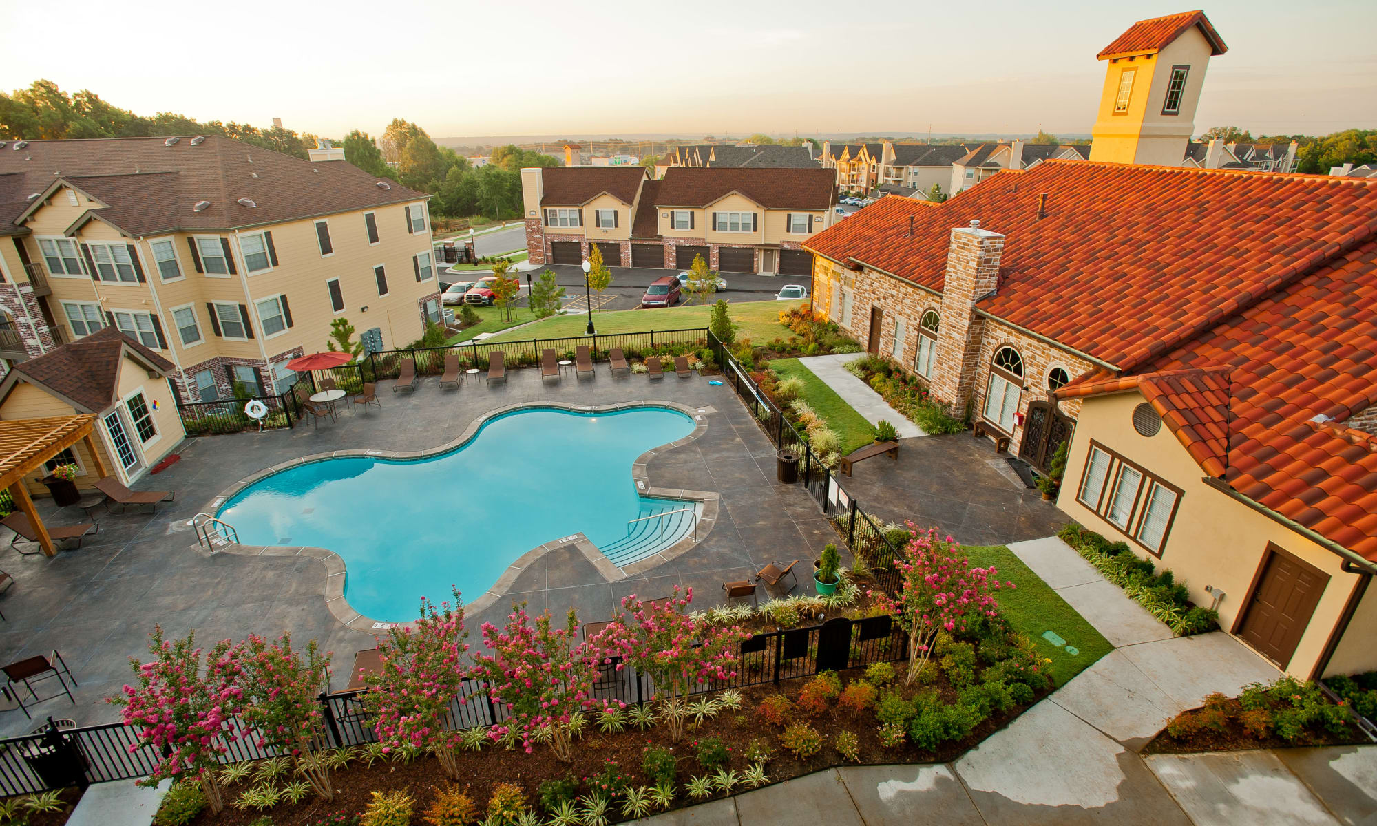 Tuscany Hills at Nickel Creek apartments in Tulsa, Oklahoma