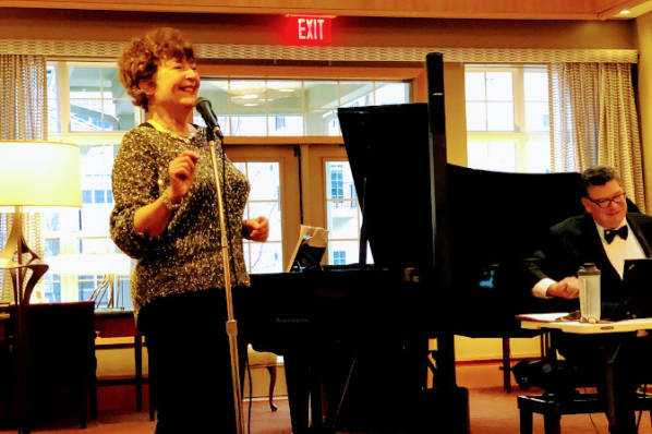 Residents at All Seasons of West Bloomfield in West Bloomfield, MI enjoy the live music