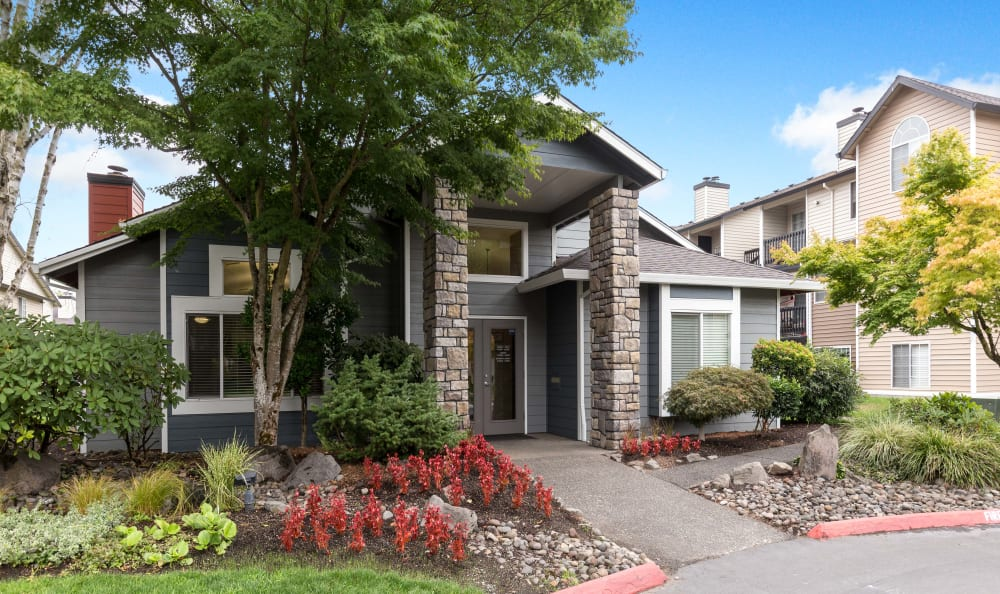 Clubhouse Entrance at Walnut Grove Landing Apartments in Vancouver, WA