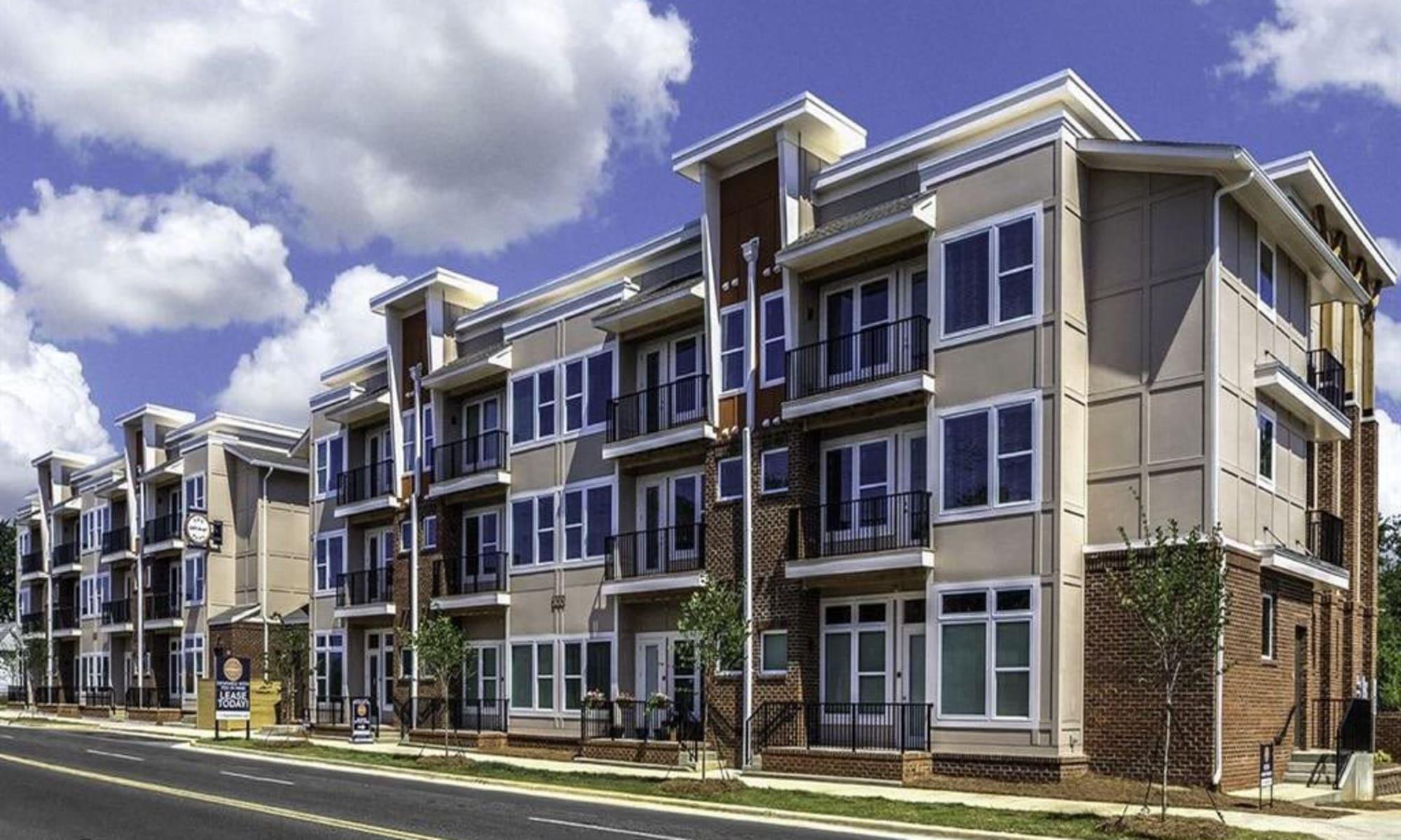 Apartments at 300 Optimist Park in Charlotte, North Carolina