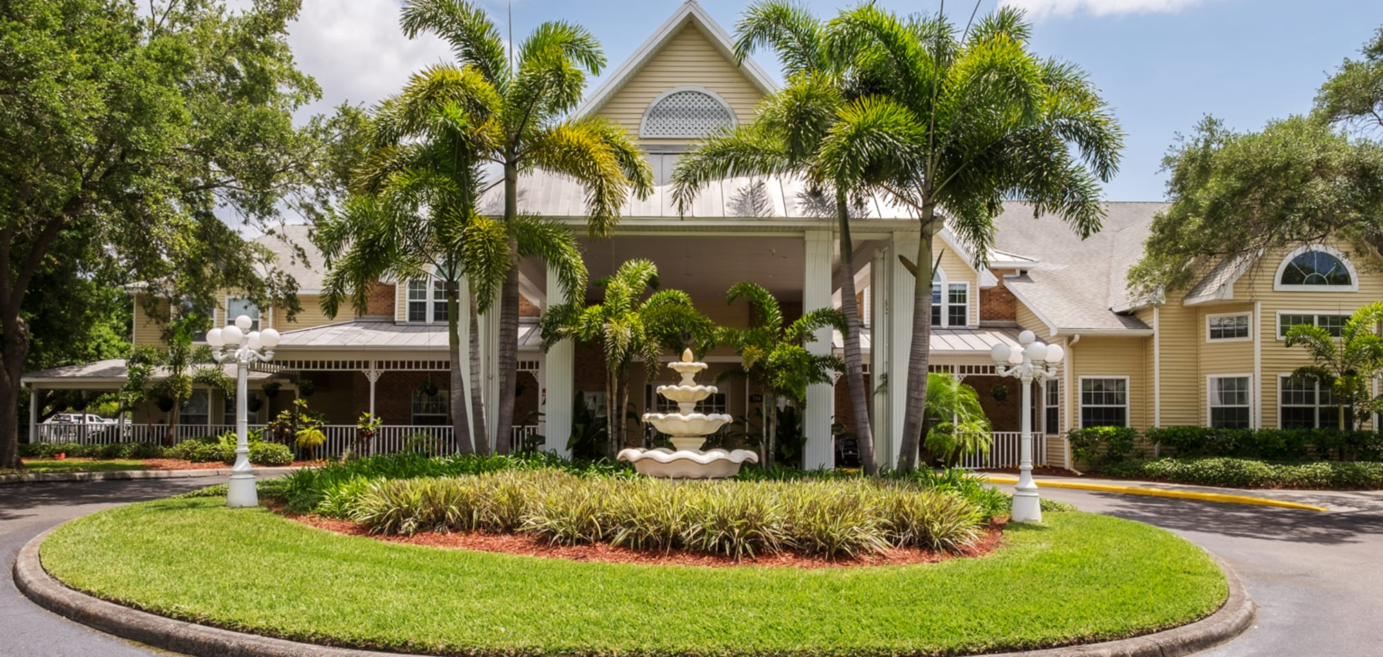 Grand Villa of Largo senior living in Florida
