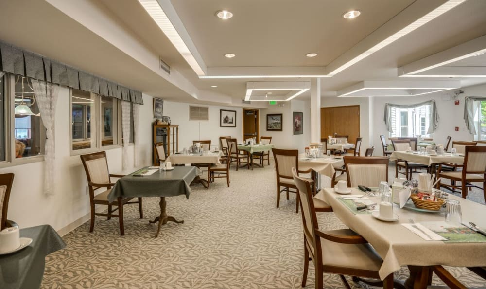 The community dining room at Heritage Heights in Chelan, Washington