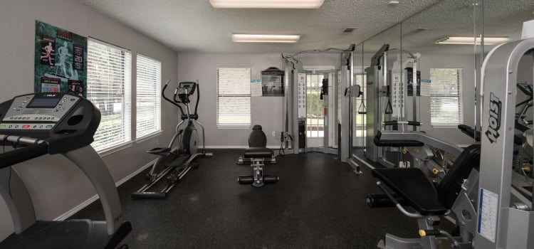 Fitness center at Wooded Creek