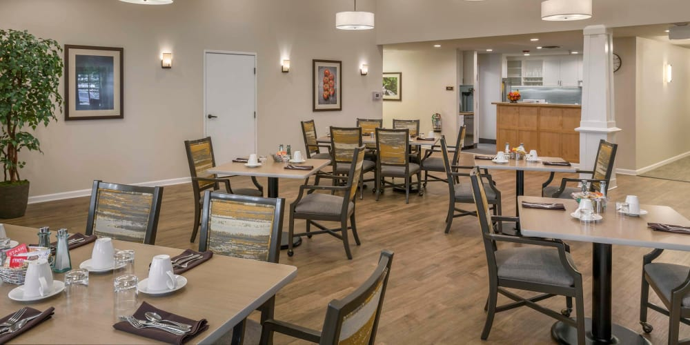 Assisted living dining area at The Springs at Clackamas Woods in Milwaukie, Oregon