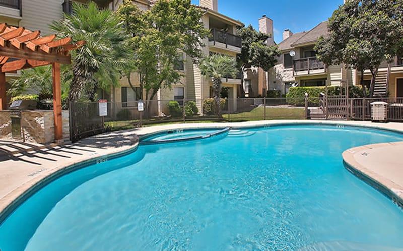 Swimming pool at Turtle Creek Vista Apartments in San Antonio, Texas