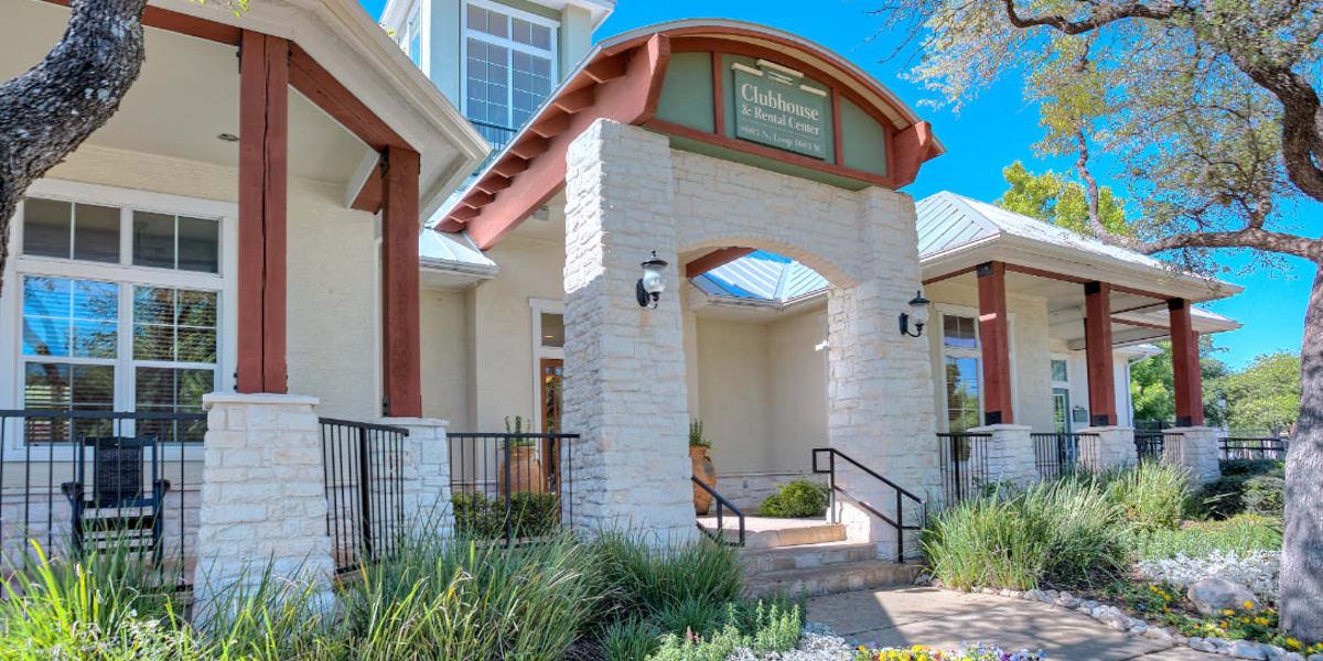 Clubhouse entrance to Marquis Bandera in San Antonio, Texas