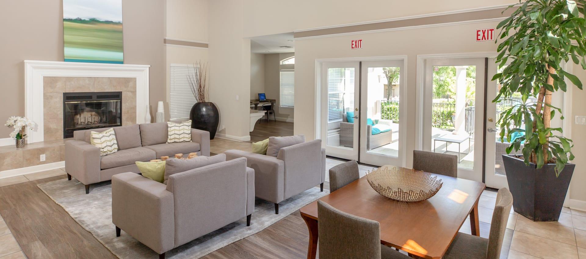 Resident lounge at Shaliko in Rocklin, California.