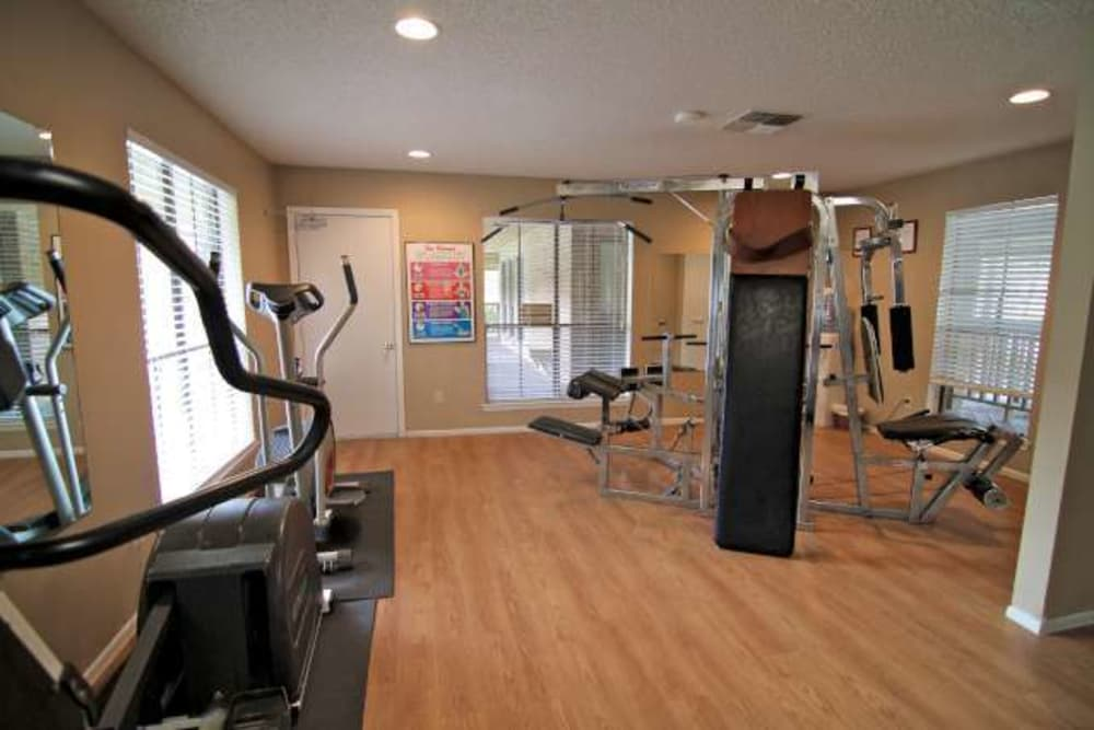 Fitness center at Sandcastle Apartments in Corpus Christi