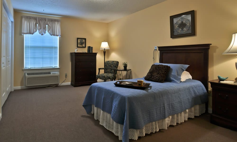 Large single bedroom at Dogwood Bend in Clarksville, Tennessee