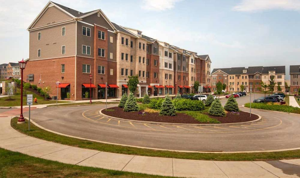 Exterior view of the apartments at Rochester Village Apartments at Park Place in Cranberry Township