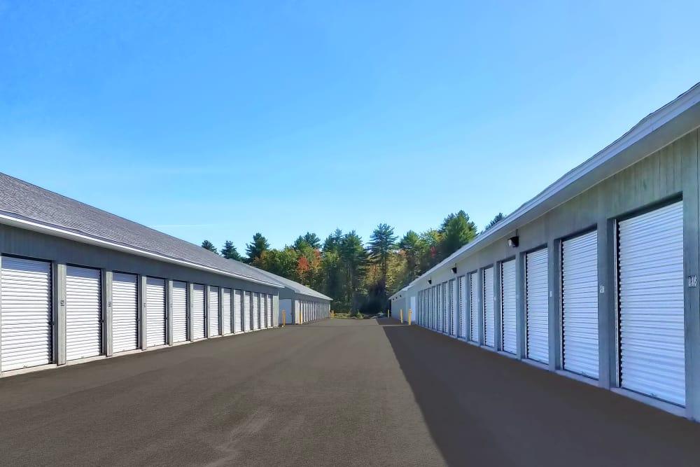 Wide driveways at Prime Storage in Berwick, Maine