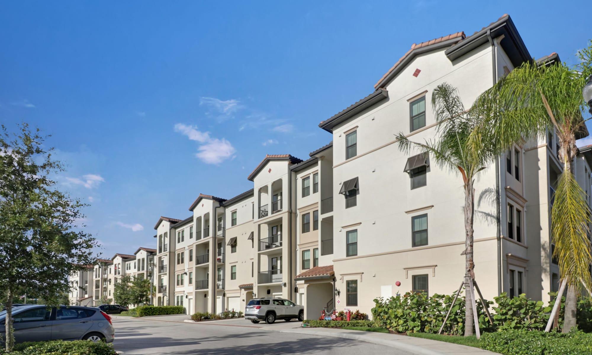 Linden Pointe apartments in Pompano Beach, Florida