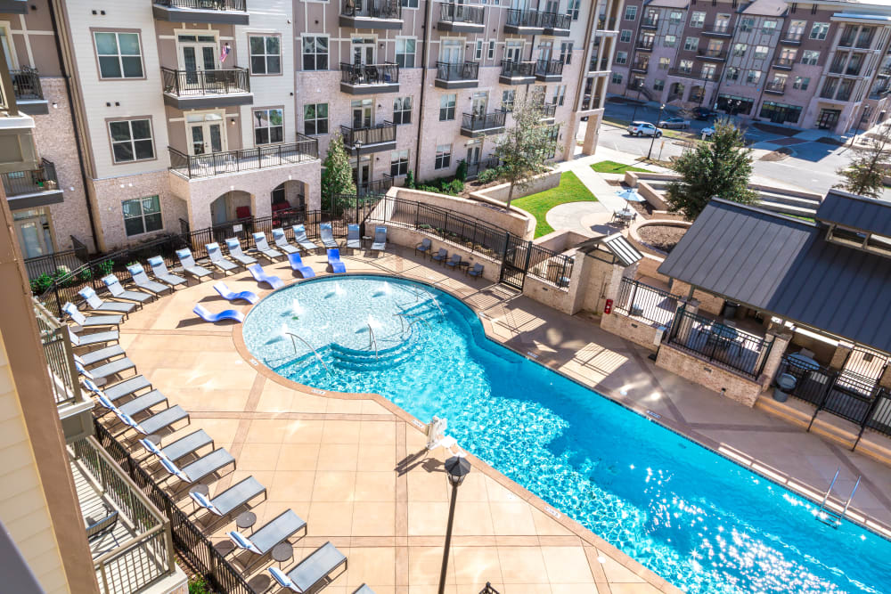 Lavish Amenities Bradford Luxury Apartments In Cary Nc