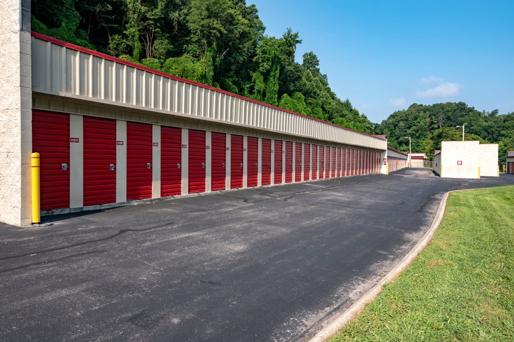 Outdoor access storage units at Metro Self Storage in Knoxville