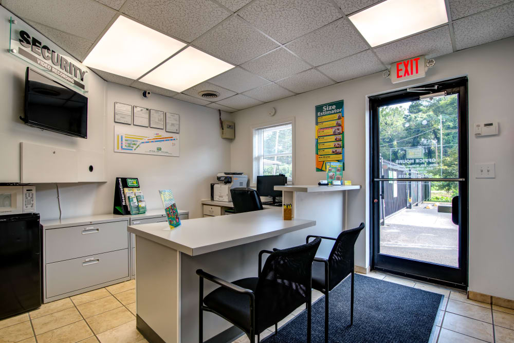 Leasing office at Metro Self Storage in Knoxville